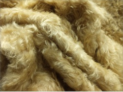 Helmbold Traditional Gold 25mm Kid Mohair